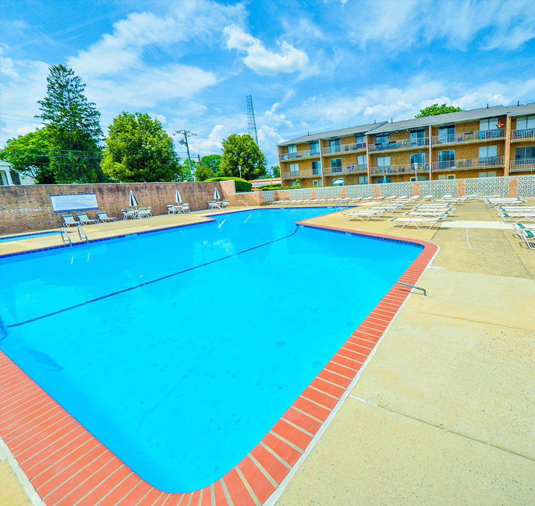 Woodcliff Apartments: Summit Philly Roxborough Apartments